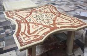 гранитный столик с узором