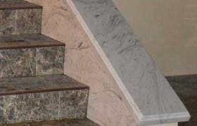 лестница из мрамора со светлыми мраморными перилами