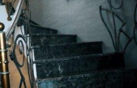 Лестница из зеленого мрамора