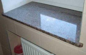 фотография гранитного подоконника в квартире