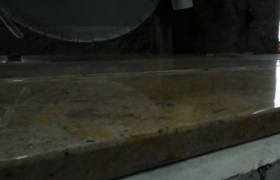 коричнево-зеленый мрамор