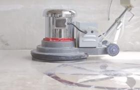 Проведение работ по полировке каменного пола в частном доме