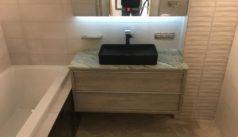 Общий вид мраморной столешницы для ванной